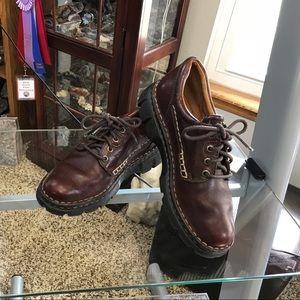 Brown Born Lace Up Loafer Great Casual Shoe